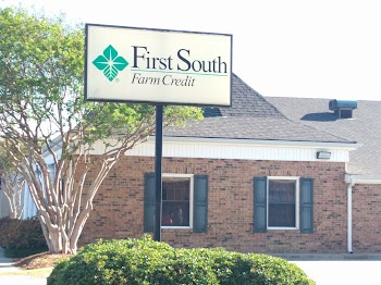 First South Farm Credit Payday Loans Picture