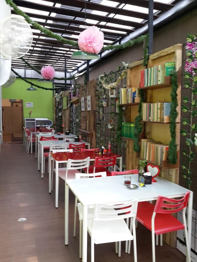 Mango Tree Cafe