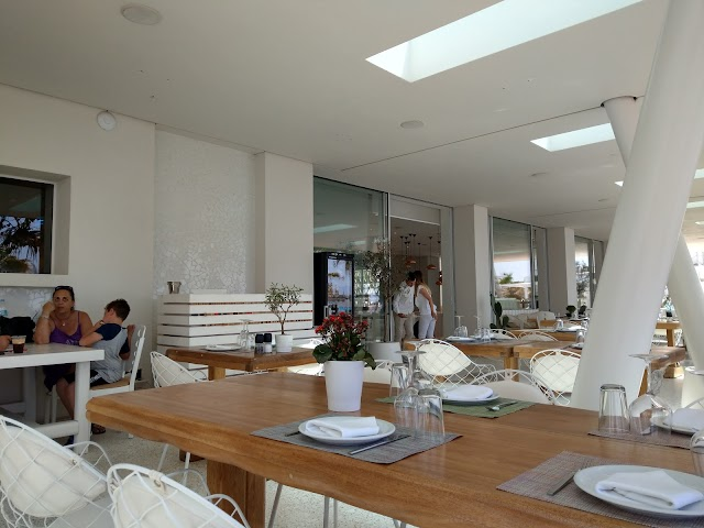 Anios Beachfront Restaurant