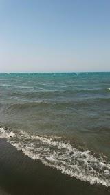 Пляж Черные пески Уреки
