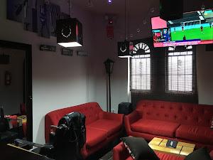 Lobos Barber Bar 3