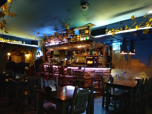 Dorothy Pub