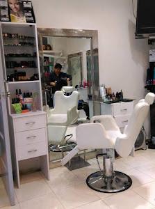 Frank Olivos Salon Y Spa 4