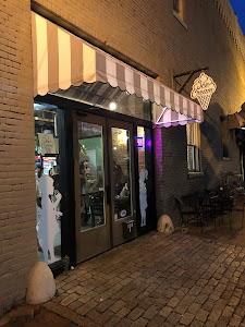 Maylynn's Downtown Creamery