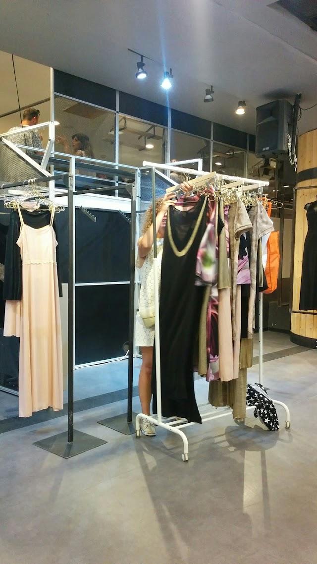 Dizengoff Center boutique designers