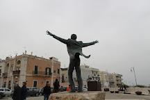 Statua di Domenico Modugno, Polignano a Mare, Italy