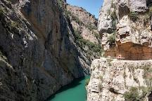 Kayaking Mont Rebei, Puente de Montanana, Spain