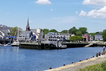 Pickering Wharf, Salem, United States