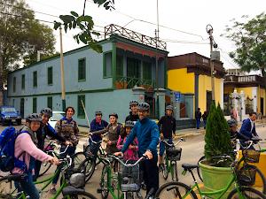 SPECIALIZED KENNEDY - GREEN BIKE premium lima bike tours and rentals 2