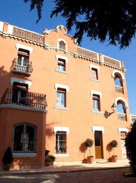 Mas Figueres Rustic House