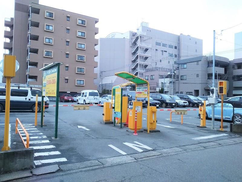 三井のリパーク武蔵中原駅前