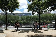 Marin d'Eau Douce, Paris, France