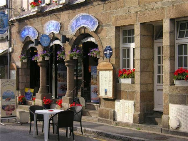 Les Arcades Restaurant