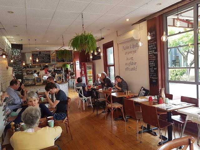 Kelby's Cafe