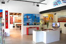 Red Umbrella Art Gallery, South Fremantle, Australia
