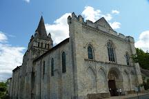 Visit L Eglise Prieurale Notre Dame De Cunault On Your Trip To
