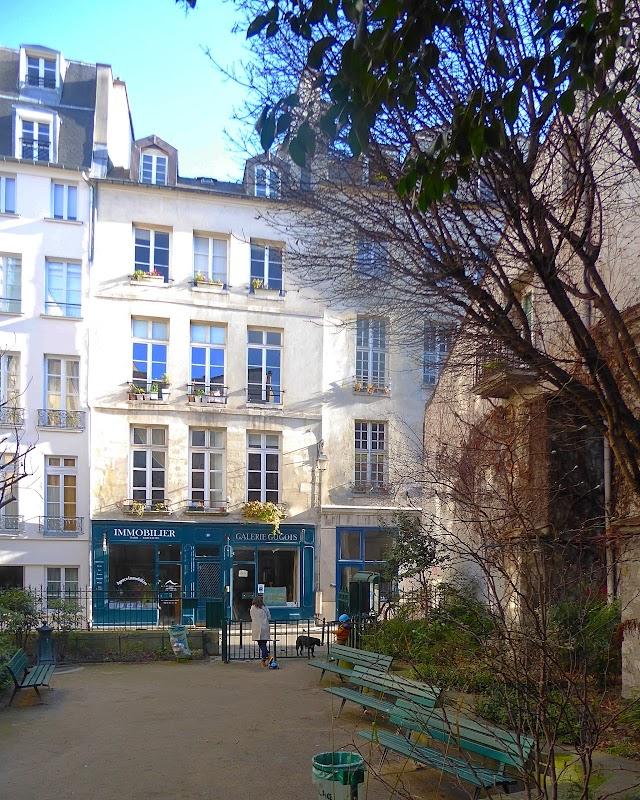 Square Danielle Mitterrand