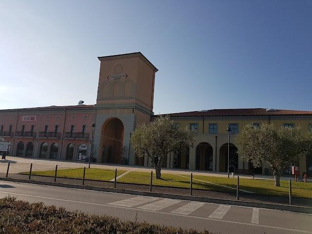 Outlet Citta' Sant'Angelo Village