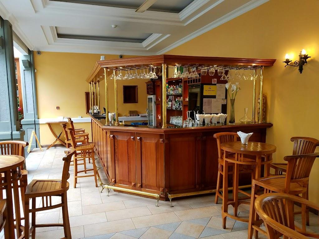Фото Порт-Луи: Le Courtyard Restaurant