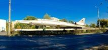 Памятник самолету