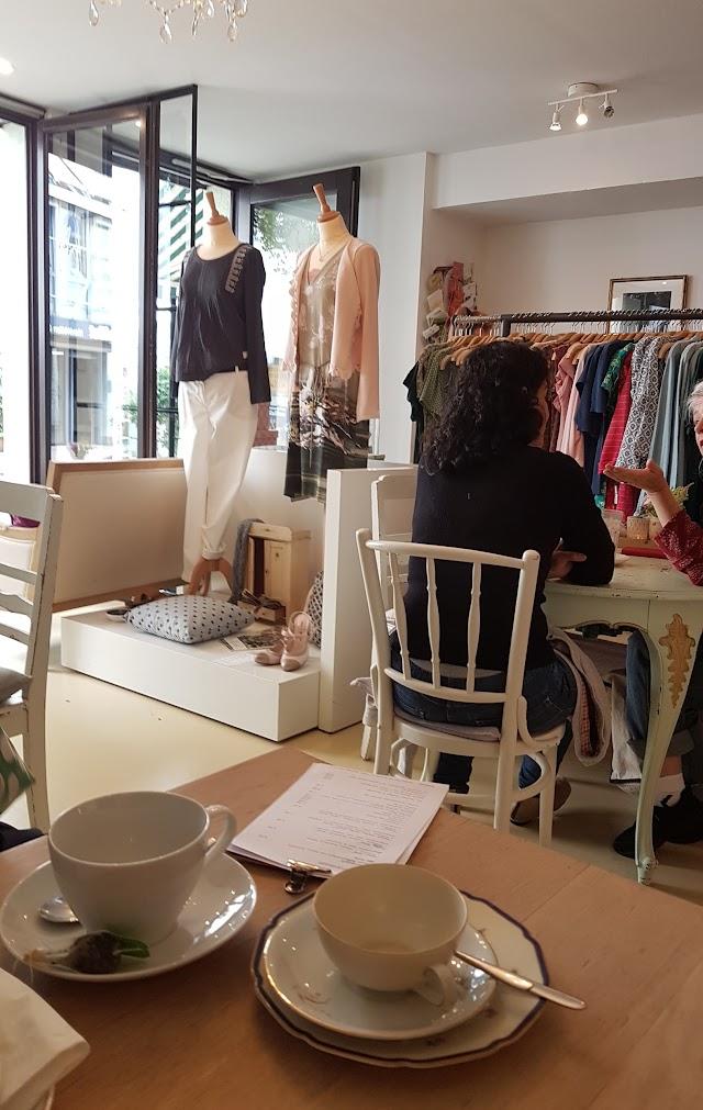 Kaffee und Kleid