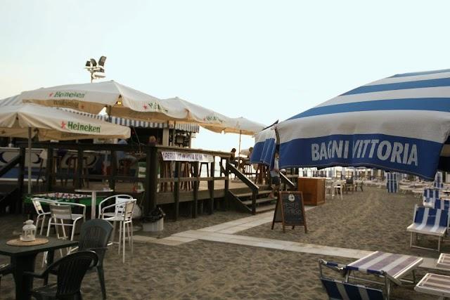 Victoria Beach Bar