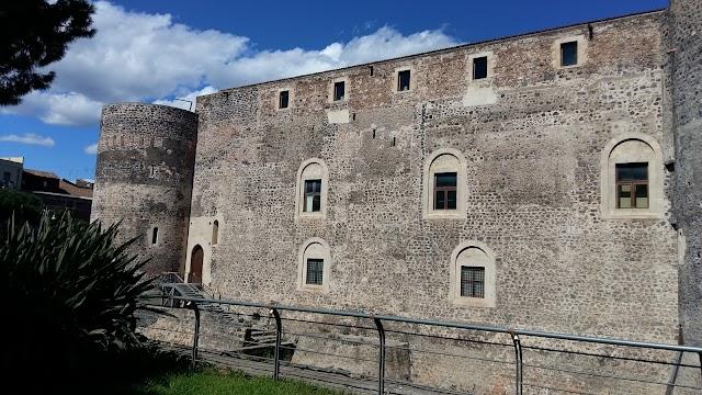 Castello Ursino Halldis Apartment