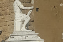 Statua di Giovanni dalle Bande Nere, Florence, Italy