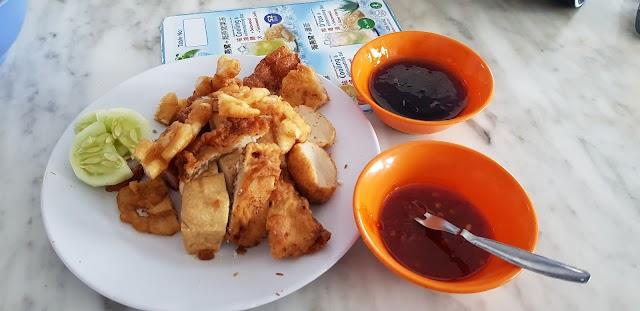 Kheng Pin Lor Bak (THE best lor bak)