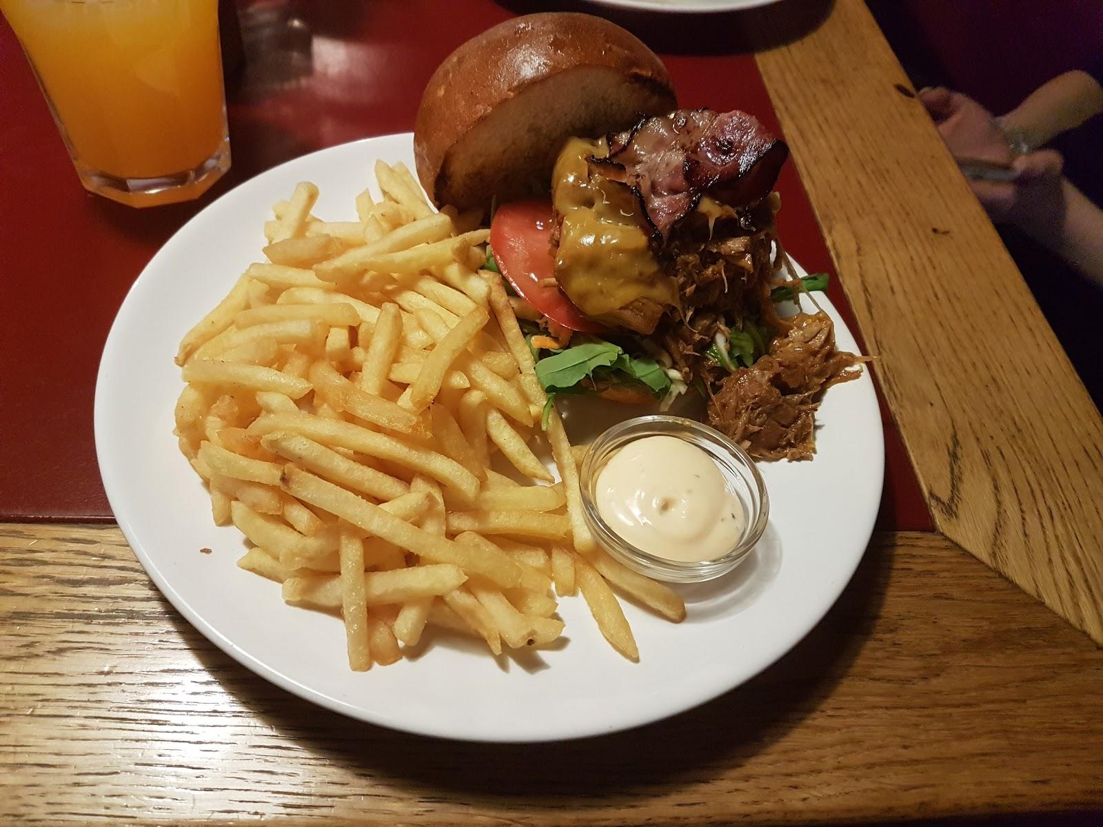 Area Pub Café & Copas