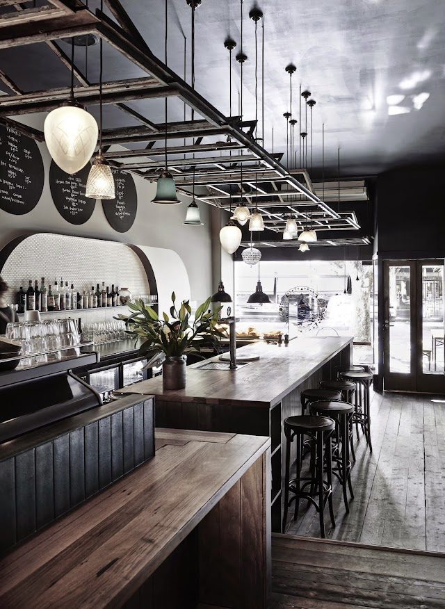 Cv's Cafe & Bar