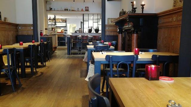 Cafe Poulet