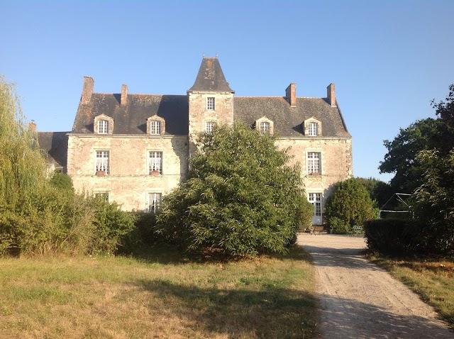 Chateau de la Senaigerie - B and B