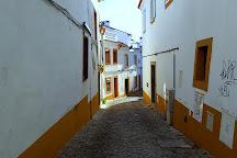 Fonte Henriquina da Praca do Giraldo, Evora, Portugal