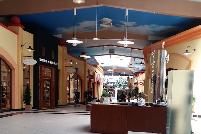 Visit Freeport Fashion Outlet on your trip to Znojmo or