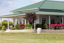 Twin Oaks Vineyard & Winery, Farmington, United States