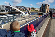 Gateshead Millennium Bridge, Gateshead, United Kingdom