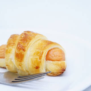 Breakfast Pigs in a Blanket With Honey Mustard Dipping Sauce.