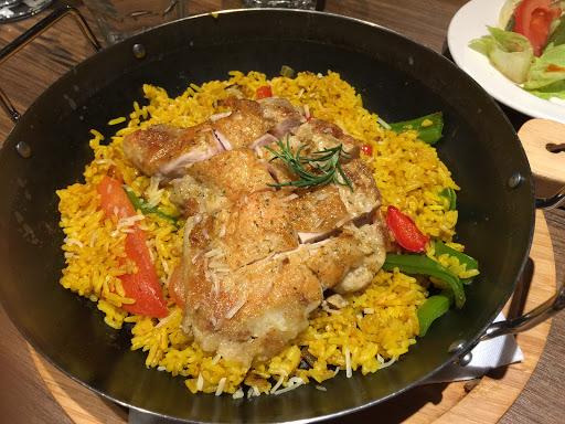 西班牙雞腿烤飯好吃!
