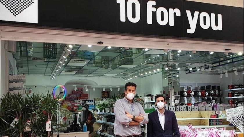 Nueva apertura en el centro de Almería: \'10 for you\'.