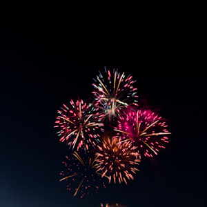 raft race fireworks 03.jpg