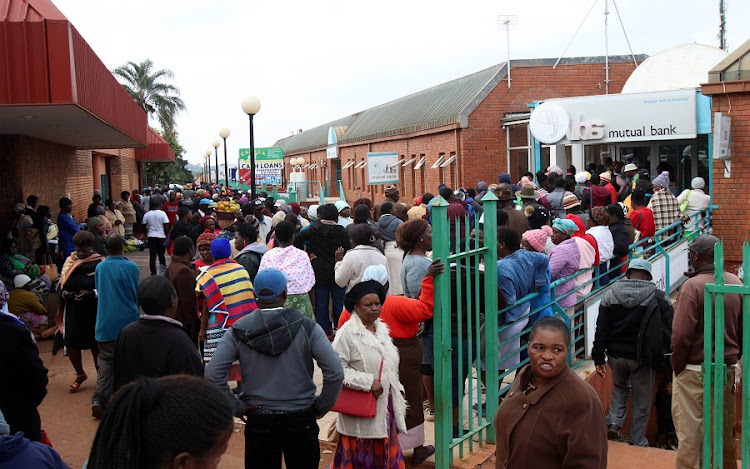 VBS Mutual bank customers at long queues outside the bank, demanding their money in Thohoyandou, Limpopo. Picture: ANTONIO MUCHAVE/SOWETAN