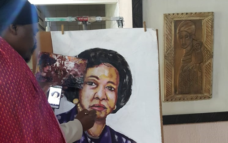 Lebani 'Rasta' Sirenje painted Lindiwe Sisulu, and scored 'H for hectic' from the minister of human settlements, water and sanitation.