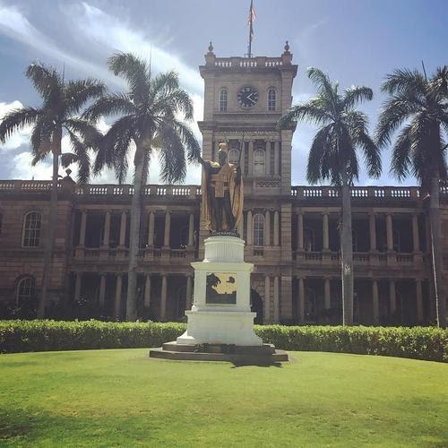 夏威夷。2009歐胡島蜜月。龜派氣功 vs 卡美哈美哈國王雕像