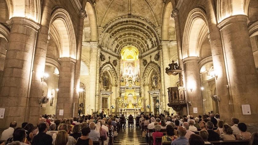 La Virgen del Mar se quedará en el interior del monasterio para su restauración.