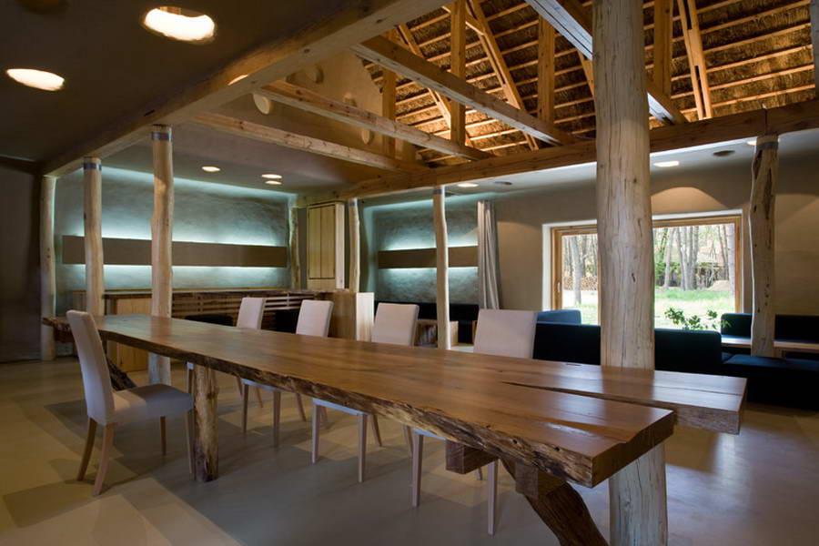 Деревянная мебель в экологическом интерьере