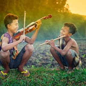 morning happiness by Haris Fallin - Babies & Children Children Candids ( child, candids, children, kids, people, photography, portrait )