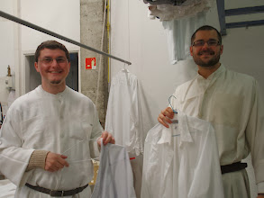 Photo: Ffr Kliment a Metoděj při sobotní směně v konventní prádelně.