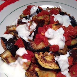 Afghani burani banjan (Afghan eggplant and tomato with yogurt sauce).