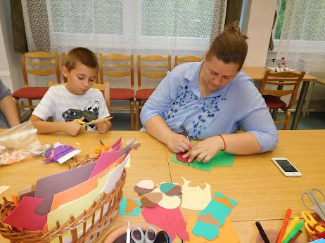 Kézműves foglakozás a Hild Könyvtárban